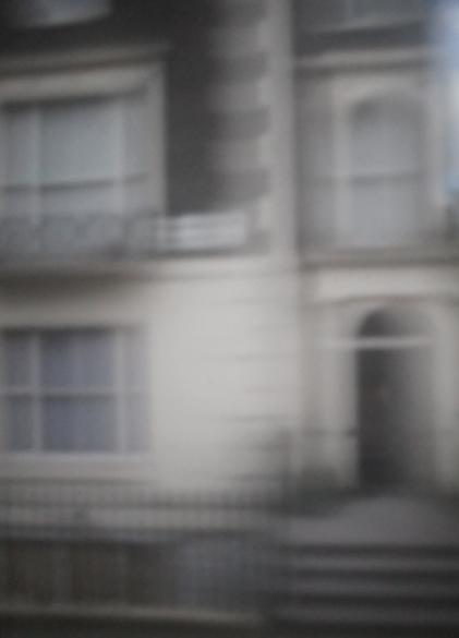 Hausfassade London I | 2014 | Camera Obscura | Pigmentdruck auf Alu-Dibond | 180 x 140 cm