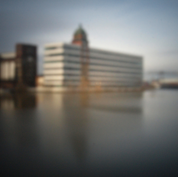 Hafen Düsseldorf III | 2015 | Camera Obscura | Pigmentdruck auf Alu-Dibond | 180 x 160 cm